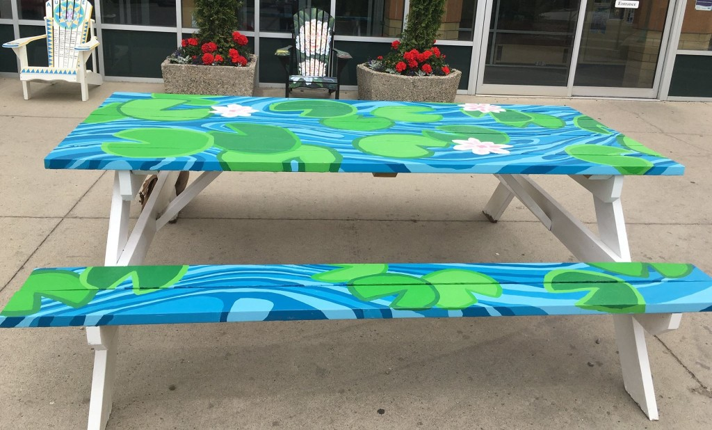 picnic table cropped